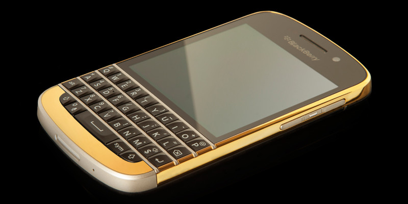 gold-blackberry-q10-3.jpg